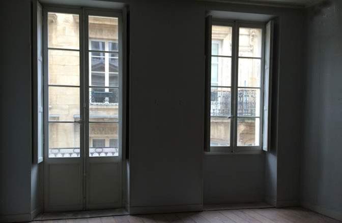 Immeuble r nover bordeaux centre volets bleus for Immobilier professionnel bordeaux