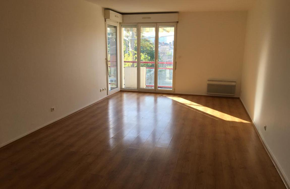 Exclusivit appartement t4 bordeaux volets bleus for Appartement bordeaux
